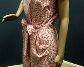 Vintage 1950s Pink Floral Wrap Dress with Lattice Pattern on Collar and Pockets by Country Club Size XXL