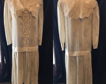 Mod retro sailor dress creme with lace accent dropped waist pinch pleat dress 1980 medium
