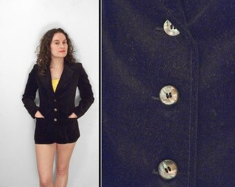 Black VELVET Blazer 1980s Cabriole Size Small Three Abalone Look Buttons