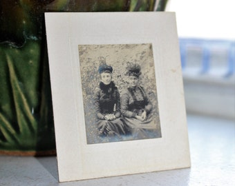 Antique Photograph Cabinet Card 1800s Elderly Victorian Sisters