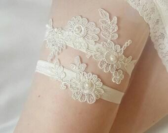 Wedding Garter, bridal garter, Ivory garter, garter set, matching toss garter