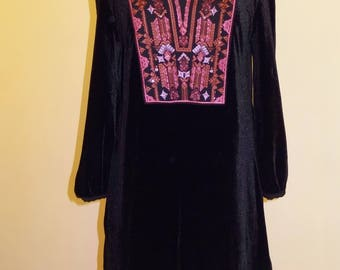 EMBROIDERED BLACK VELVET Tunic or Dress - Yoke Embroidered in Magenta and Dusty Pink, Accented with Beads & Sequins - American Size 8