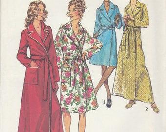 Ladies Robe Pattern Simplicity 5989 Size Medium 12/14 Uncut