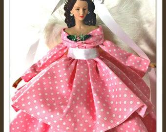 Brunette Pale Pink Mother's Day Angel LoveToken, Modern Retro Angel for Her, Tree Topper, Retro Pink Polka Dot, Sister Gift Porcelain Angel