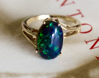 Vintage 3.85ct Black Opal Ring, 1980s Minimalist Boulder Opal Gold Ring, Modernist Opal Anniversary Ring, Unique Alternative Engagement Ring