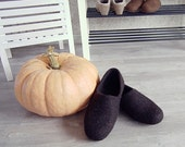 Eco friendly handmade felted mens slippers in natural dark brown wool - best gift for dad