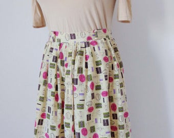 Vtg 50s NOVELTY CIRCLE Skirt with TRAVEL Tag Print! Small, 26 inch waist