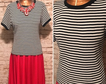 Vintage 1990s Express Black and White Striped Top // 90s Knit Short Sleeve Shirt // size medium M