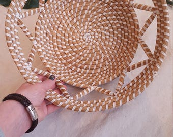 Pretty Round Natural & White Coiled Woven Basket Bowl