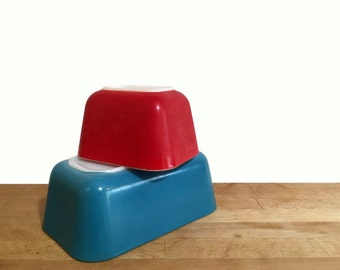 Red and Blue Pyrex Refrigerator Dishes / no lids