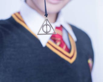 Harry Potter and Fantastic Beast inspired Hollows necklace - Bronze