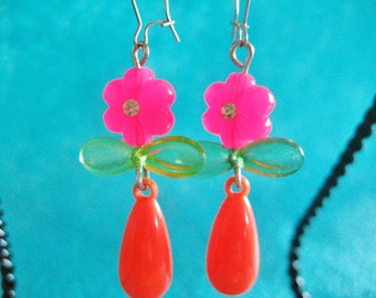 Upcycled PRETTY PINK FLOWERS In A Vase earrings with Vintage beads