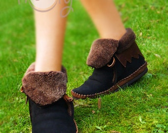 Brown Cow Leather And Black Sheep Skin Moccasins, Brown Moccasin Boots, Womens Moccasins, Leather Moccasins, Leather Boots, Mens Moccasins