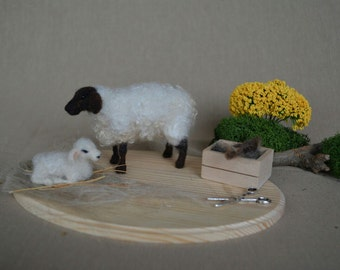 Needle Felted Lamb- sheep family -Nativity set-needle felt-Christmas decoration-doll house miniature animals 1:12 scale- articulated