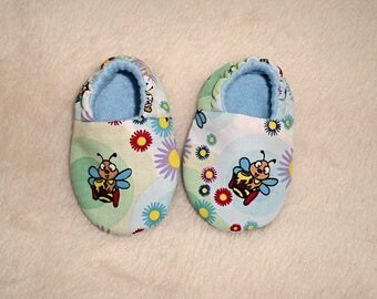 Baby Shoes, Age 0-3 months, Baby slippers, Soft Sole Shoes, Crib Shoes, Fabric Shoes, Bumble Bee Shoes, Baby Accessories, Pram Shoes