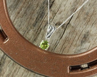 Green Peridot Pendant/Necklace - Sterling Silver Pendant/Necklace - Sterling Silver Setting with a 6mm Natural Peridot Stone
