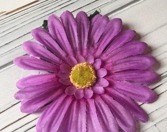 Light Purple Daisy Flower Hair Clip with Yellow Center