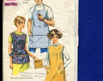 1968 Simplicity 7974 Artist or Cooking Smocks and BBQ Apron Size 12/14 Medium