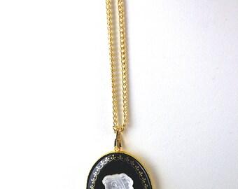 Vintage Cameo Necklace 1960s