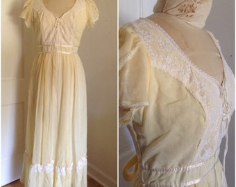 Seventies full length boho vintage wedding gown // extra small 0 2 4 xs hippie bride 1980