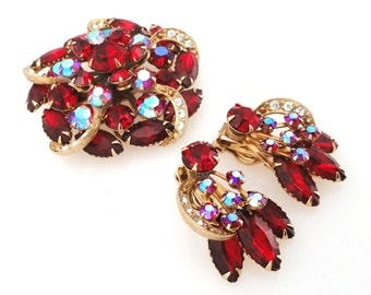 Vintage 1950s or 1960s Gold and ruby red rhinestone, red crystal aurora borealis brooch and clip on earrings juliana style jewelry set