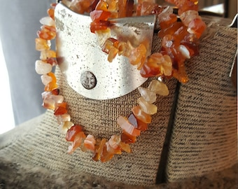Carnelian Gemstone Chip Bracelet/Stretchy Bracelets/Carnelian Stackable Boho Bracelet/Mediation Healing Jewelry/Courage and Strength