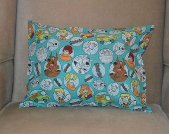 Travel Pillow Case / Child Pillow Case SCOOBY DOO / Shaggy / Scrappy Doo / Daphne / Velma / Mystery Machine