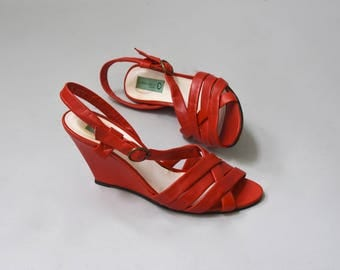1980's Martini Osvaldo red leather wedge sandals • size 7.5/8