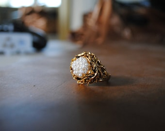 Vintage Beautiful Ring - Golden Nest with White Pearl Eggs // Adjustable in Size
