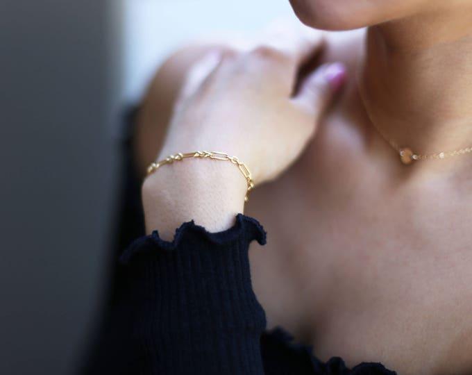 Halo Bar Chain Bracelet // gold bracelets // Friendship bracelet // Stackable bracelets // Minimalist bracelet