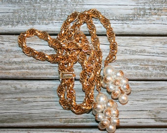 Vintage 70s Gold Tone Lariat Necklace Pearl Cluster Tassel Flapper 1970s 20s Style Costume Jewelry