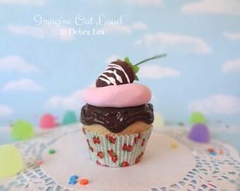 Fake Cupcake Faux Valentine's Day Chocolate Covered Strawberry Shortcake
