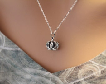 Sterling Silver Realistic Crown Charm Necklace, 3D Crown Pendant Necklace, Crown Necklace, Queen's Crown Necklace, Crown Charm Necklace