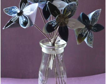Paper Flowers - Bunch of 7 Flowers - Decor-flower with stem- White - Blue - Black