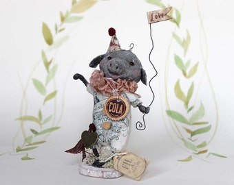 Primitive Folk Art piglet figurine