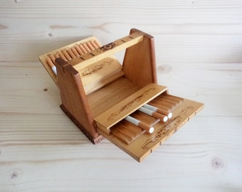 Vintage Wooden Cigarette Box , Old wooden Cigarette Dispenser, Tobacciana, Pyrography hand-decorated Box, Box of 26 cigarettes, Gift for Him