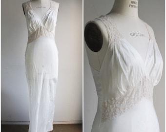 Vintage 1950s White Nightgown Slip / 50s Rayon Slip Dress Bias Cut / Lace Trim / Vintage Lingerie / Pinup Pin Up / Keyhole Back