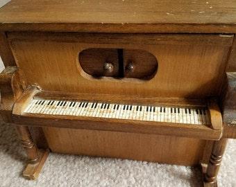 Vintage piano music box