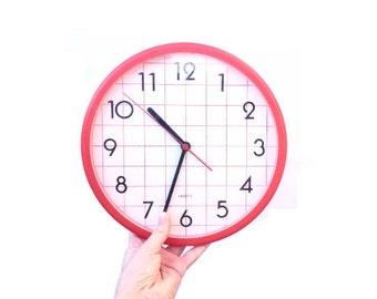 Retro Wall Clock / Quartz