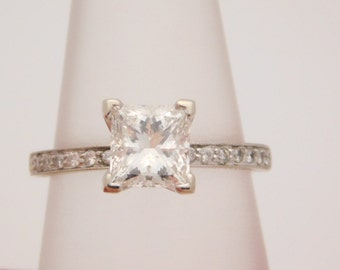 Stunning 1.75 Princess Solitaire & Round Accent Diamond Engagement Ring