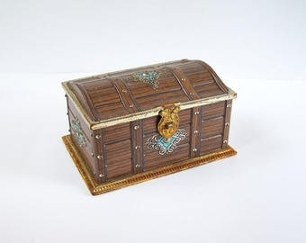 Tin box treasure chest pirate chest-shaped faux wood embossed  vintage