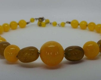 Vintage plastic necklace yellow marbled beads