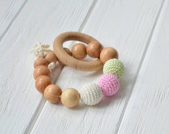 Teething ring with crochet beads and natural juniper beads - Crochet Baby Toy - Wooden rattle