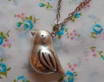 3D Chunky Bird Swallow Pendant Necklace