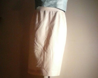 1970s 1980s Wool Pencil Skirt in Ivory XS