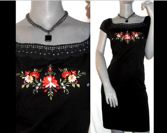 Molly Malloy Embroidery Floral Cap Sleeve Square Neck Little Black Dress 8