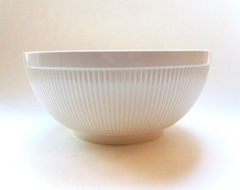 Vintage Wedgwood Bowl - Windsor Pattern Vegetable or Serving Bowl - Large Ribbed Bowl - Creamy White Color China Bowl