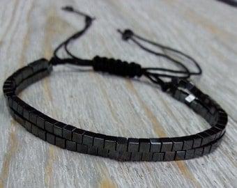 Black hematite cubes bracelet, double strand, with macrame for adjustable size