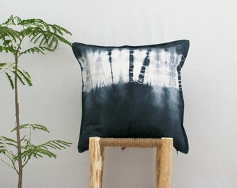 WANDERER . tie dye cushion cover . pillow . throw cushion . decorative pillow . throw pillow . charcoal . boho gypsy industrial . grey gray
