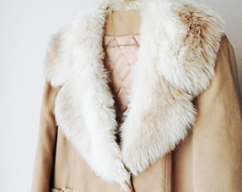SALE - 1970's Fur Collar Tan Trench Coat